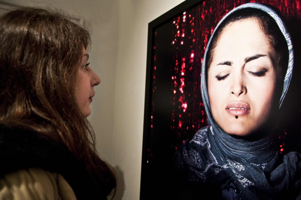 'Listen' Exhibition by Newsha Tavakolian ay Middle East Now 2012