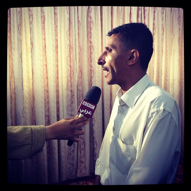Everyday Middle East_A Yemeni man speaks to BBC at an event for civilian drone victims_Ph. Alex k potter