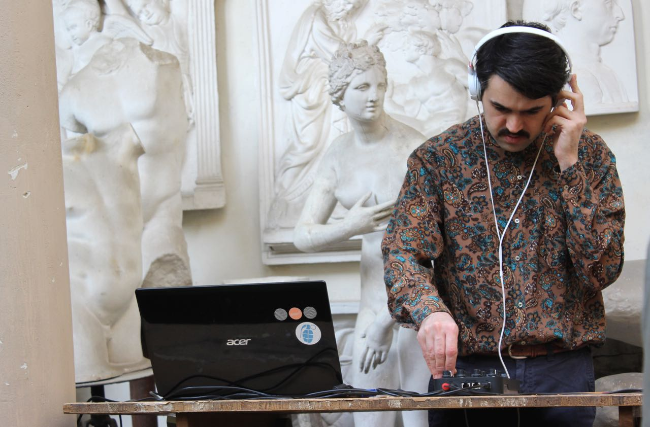 Dj Saeed Aman at Etra Gallery Ph. Veronica Mencacci